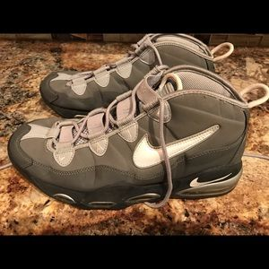Nike Air Max Uptempo size 10.5